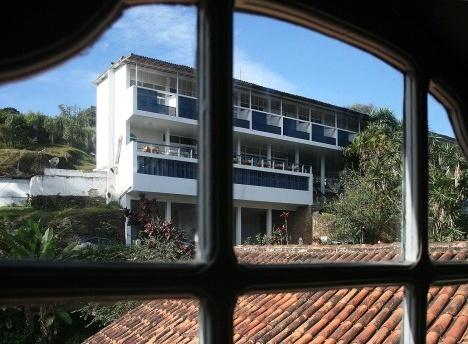 Grande Hotel de Ouro Preto, Oscar Niemeyer. Vista a partir da Casa do ContoFoto Abilio Guerra