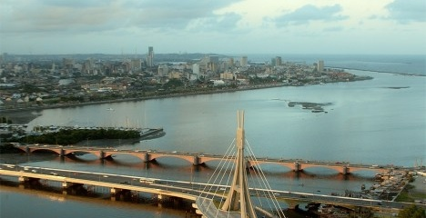 Cena do filme Aquarius, de Kleber Mendonça Filho, onde as torres gêmeas no centro histórico do Recife são retiradas digitalmenteFoto Pedro Sotero e Fabricio Tadeu
