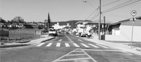 Rua Professor Simão Hess, principal via comercial da cidade após a sua revitalização, Luiz Alves SC, 2020Foto divulgação  [Prefeitura Municipal de Luiz Alves SC]