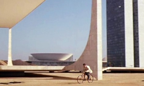 Fotograma do filme O Homem do Rio, direção de Philippe de BrocaFoto divulgação