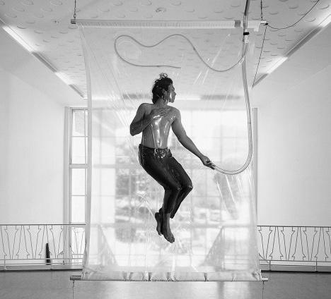 Shrink, de Lawrence Malsta  Foto Lawrence Malstaf & Tallieu  [Art Office]