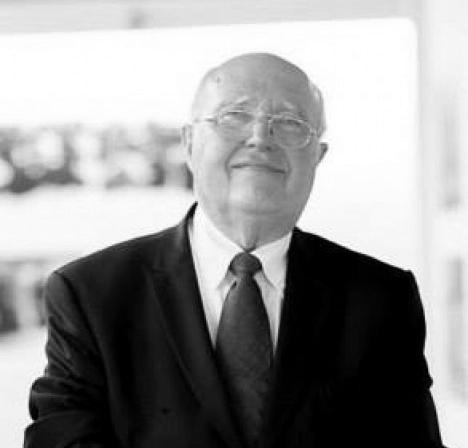 Gérard Monnier (01/06/1935 – 23/11/2017) em exposição de suas fotografias no MUnA, em Uberlândia, dezembro de 2013Foto Alessandro Gomes