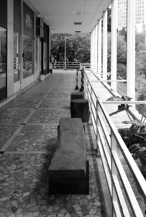 Galeria Metrópole, fruição visual e integração com o entorno, São Paulo, 1960. Arquitetos Salvador Candia e Giancarlo GasperiniFoto Emílio Bertholdo