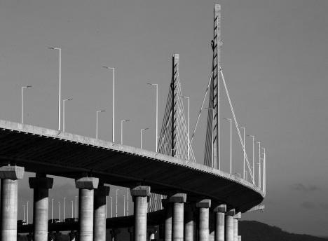 Ponte Anita Garibaldi construída sobre Canal das Laranjeiras em Laguna SCFoto Raifran Albuquerque  [Wikimedia Commons]