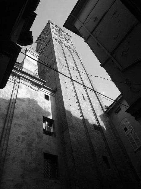 Bologna, torre, janeiro de 2014Foto Adson Cristiano Bozzi Ramatis Lima