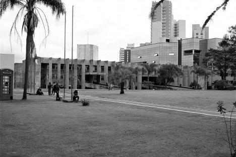 Fórum de Londrina PR BrasilFoto dos autores