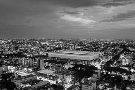 Complexo Esportivo e Cultural Clube Atlético Paranaense, Curitiba. Arquiteto Carlos ArcosFoto Nelson Kon