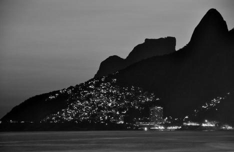 Paisagem do Rio de JaneiroFoto Chensiyuan  [wikimedia commons]