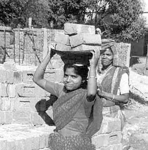 Construção de banheiros e refeitório. Udayagiri-Phulbani, Índia