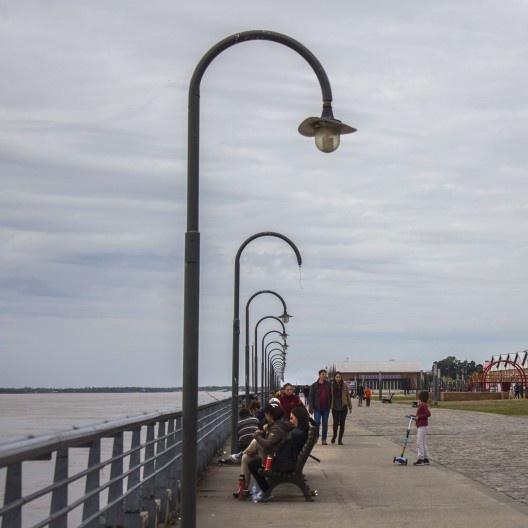 Paseo de la costanera Del Río Paraná, Rosario, Argentina<br />Foto Soyyosoycocomiel  [Wikimedia Commons]
