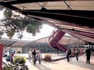 Stills do video do Centro Cultural São Paulo
