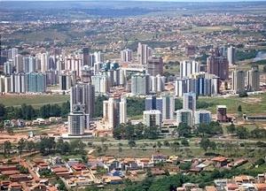 Águas Claras e, em primeiro plano, parte de Vicente Pires. Distrito Federal<br />Foto Augusto Areal  [Infobrasilia]