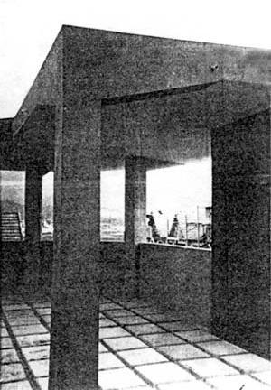 Figura 11 - Residência n° 2, Terraço-jardim. Rua Paul Redfern, Ipanema, Rio de Janeiro, 1932. Arquiteto Alexander Altberg, 1932 [Coleção Alexandre Altberg]