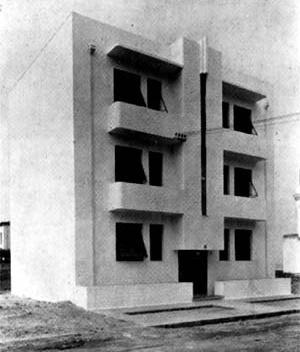 Bloco de Apartamentos à Rua Rainha Guilhermina, Leblon, Rio de Janeiro. Arquiteto Alexander Altberg, 1934