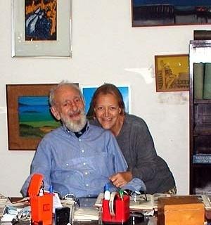 Figura 35 – Alexandre Altberg e sua companheira Odete no ateliê em Marília, jun. 2004 [Arquivo Pedro Moreira, Berlim]