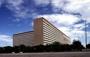 Hospital Universitário / UFRJ, arquiteto Jorge Machado Moreira, Ilha do Fundão, Rio de Janeiro, 1957