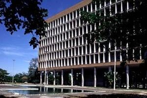 Faculdade Nacional de Arquitetura / UFRJ, arquiteto Jorge Machado Moreira, Ilha do Fundão, Rio de Janeiro, 1957