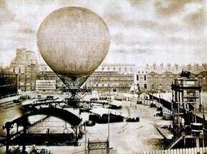 Instalação do grande balão de Giffard na Exposição Universal de Paris, 1867. Disponível em www.aerophile.com/pix_hist_tech/phG26.jpg. Acesso em 26 mar. 2007