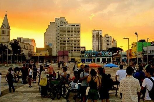 Ocupação do Largo da Batata<br />Foto Rachel Schein