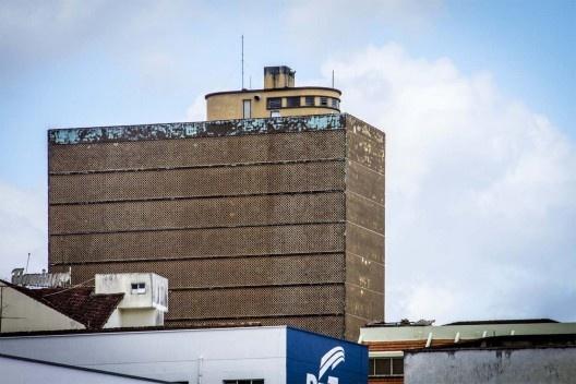 terraco jardim detalhe:Arquiteto Hans Broos. Detalhe da fachada noroeste e do terraço-jardim