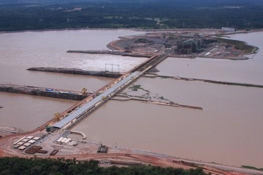 Vista aérea da usina hidrelétrica Santo Antônio no rio Madeira, Rondônia<br />Foto divulgação  [Website Ministério do Planejamento]