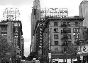 LA, Rosslyn Hotel, de 1913, e The one million dollar theater, de 1917. [http://www.you-are-here.com]