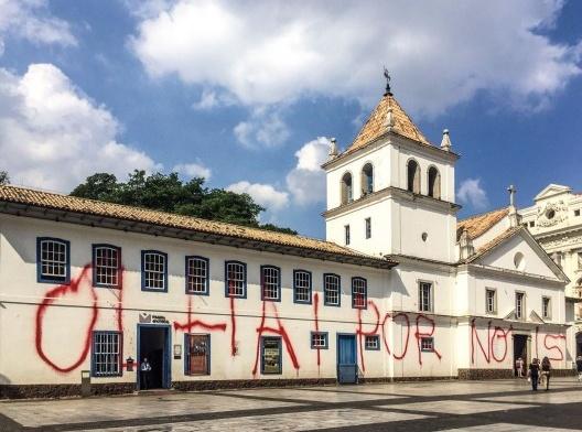 Pateo do Colégio amanhece pichado, São Paulo, 10 abril 2018<br />Foto Paulo Pinto  [FotosPublicas]