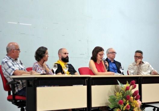 III SAMA, mesa de abertura, Akel Fares Filho (presidente CAU/PA), Ana Cláudia Cardoso (coordenadora PPGAU UFPA), Marcos Cereto (UFAM), Celma Chaves (UFPA e coordenadora Geral do III SAMA), Jorge Eiró (vice diretor FAU/UFPA) e José Júlio Lima (vice-coorden<br />Foto Rebeca Ferreira  [LAHCA-FAU/UFPA]