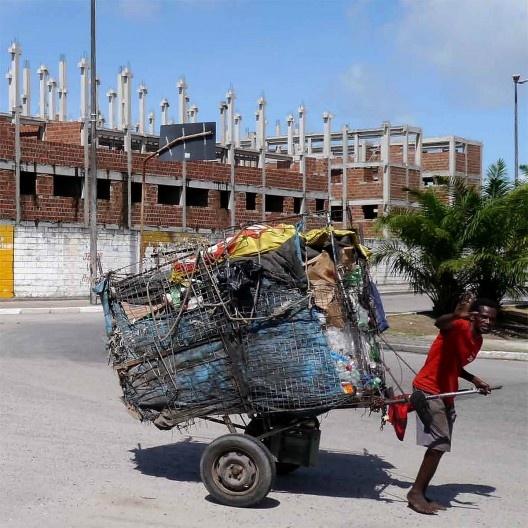 """Carroceiro, Recife, foto do documento """"Housing as Urbanism. Minha Casa Minha Vida - habitação social e intervenção urbana""""<br />Foto divulgação"""