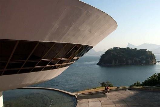 Museu de Arte Contemporânea, Niterói, Rio de Janeiro. Arquiteto Oscar Niemeyer