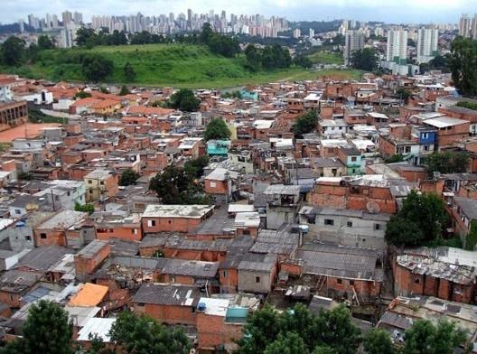 Vista da Favela Jaqueline, no distrito de Vila Sônia, São Paulo SP<br />Foto Dornicke  [Wikimedia Commons]