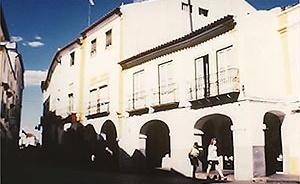 Fig.13 – Gallery in a historical building at Évora<br />Foto JAZ, 1997