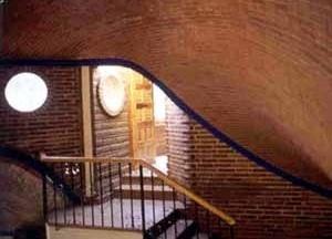 Casa habitación en Tepoztlán, Morelos. Cubiertas de ladrillo recargado. Arq. A. R. Ponce