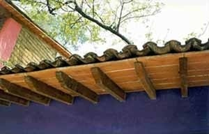 """Casa en Cuernavaca, Morelos. Arq. A. R. Ponce. Solera de barro rojo recocido sobre vigas de 3""""x6"""" de madera"""