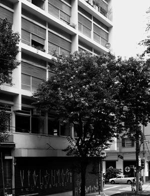 Edifício esquina Augusta com Antonio Carlos, Arq. Franz Heep, Rua Antonio Carlos<br />Foto LEG