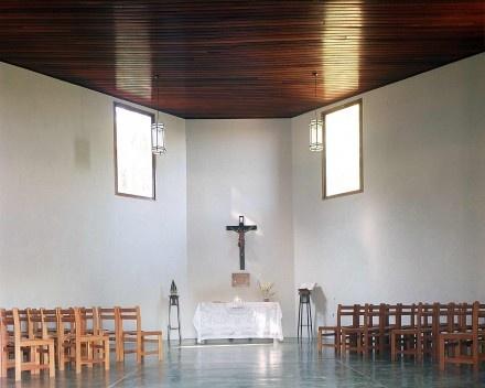 Capela, Ibiúna. Arquiteta Lina Bo Bardi<br />Foto Nelson Kon
