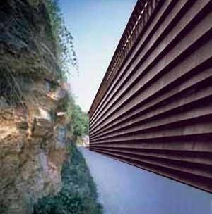 Figura 1 – Armazém da Ricola, Laufen, Suíça. Projeto 1986, realização 1987 <br />Foto The Pritzker Architecture Prize