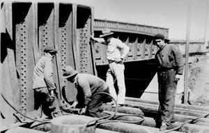 Construindo um viaduto ferroviário em Buenos Aires  [Arquivo CEDODAL]