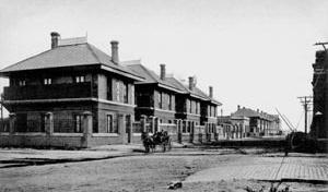 Habitações ferroviárias na Bahía Blanca, província de Buenos Aires <br />Postal Pló  [Arquivo CEDODAL]