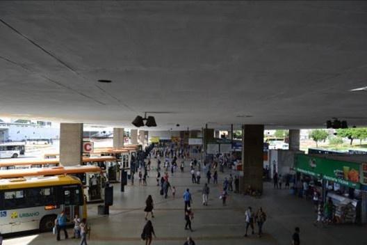 Estação Rodoviária do Plano Piloto, Plataforma Rodoviária, 1958-1960. Arquiteto Lucio Costa<br />Foto Diogo Augusto Mondini Pereira