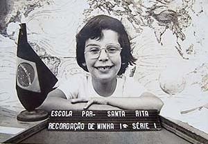 Aluna Luciana da Escola Parada 40 da fábrica Santa Rita – Ano letivo de 1.979, 1ª série, Professora Tia Rosa [cortesia da aluna (arquivo)]