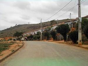 Bairro S. Cristóvão onde a parte melhor do terreno foi destinada a empreendimento da COHAB-MG