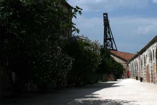Galpões do Arsenale, área expositiva, Veneza<br />Foto Helena Guerra