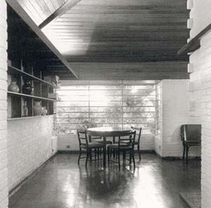 Residência J. B. Vilanova Artigas, 1942.  <br />Foto Nelson Kon.  [ARTIGAS, João Batista Vilanova. Vilanova Artigas: arquitetos brasileiros]