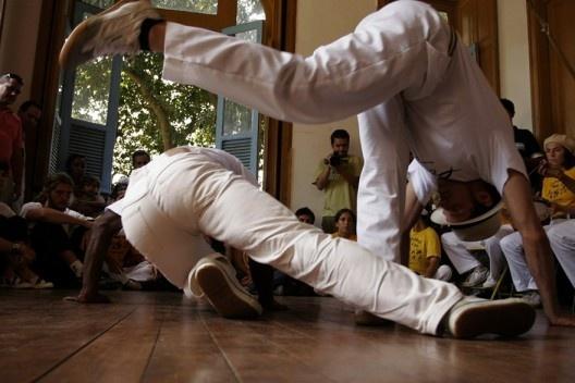 Roda de capoeira com o Mestre José Carlos, bairro de Santa Tereza, Rio de Janeiro<br />Foto divulgação  [Portal Iphan]