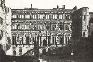 Castelo de Heidelberg - A ala Otto-Heinrich (Otto-Heinrichsbau). Foto do Arquivo Michael Brix , Munique [HUSE, Norbert (Org.). Deutsche Texte aus Drei Jahrhunderten. München: C.H. Beck, 1996 (1a ]