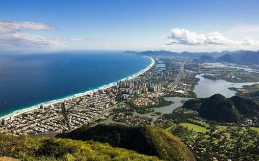 Vista aérea da Barra da Tijuca<br />Foto Barrazine da Barra  [Wikimedia Commons]
