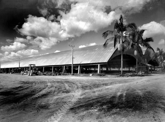 Galpão da Tecelagem Paraíba, São José dos Campos, 1953. Arquitetos Rino Levi, Roberto Cerqueira César e Luiz Roberto Carvalho Franco<br />Foto divulgação  [Acervo digital Rino Levi]