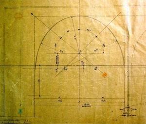 Desenho do arco da extremidade da arcada, que mostra a alteração do traçado da curva do arco definida com 3 pontos diferentes [Arquivos do Setor de Arquitetura do Ministério das Relações Exteriores]