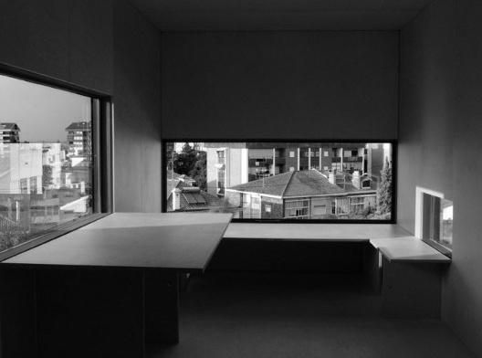 Escritório da casa Robalo Cordeiro, 2009, Coimbra. Projeto de João Mendes Ribeiro<br />Foto Pedro Medeiros  [Acervo João Mendes Ribeiro]